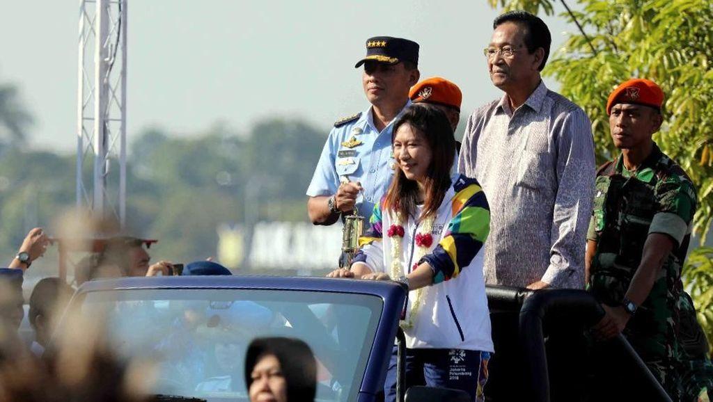 Api Obor Asian Games Dikawal Susy Susanti dari India