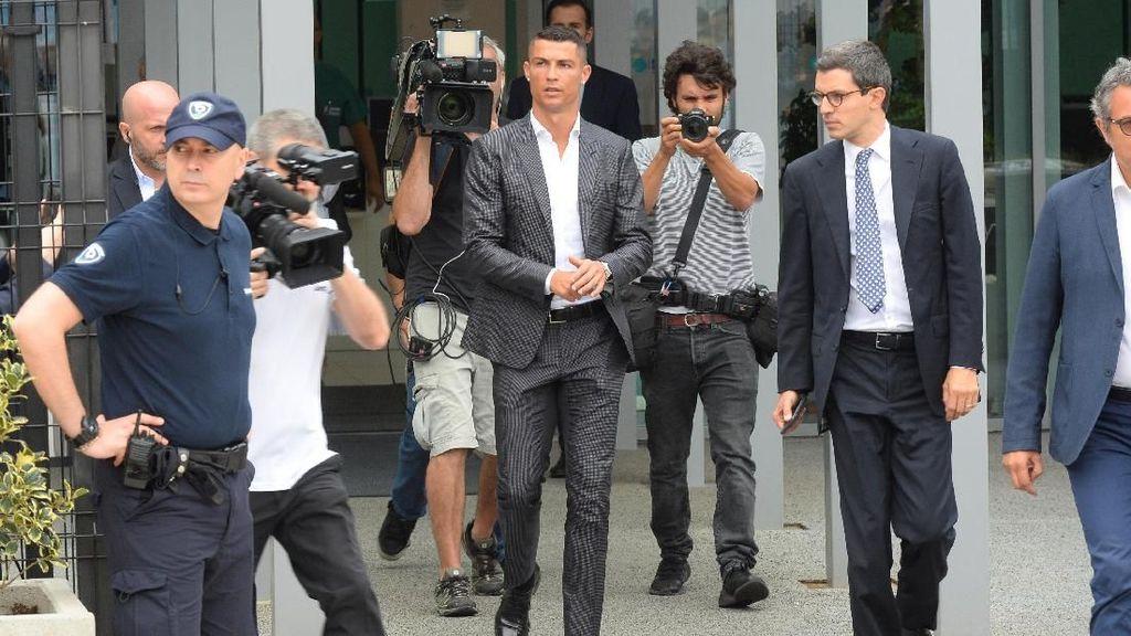 Pajak Alasan Utama Ronaldo Pilih Juventus?