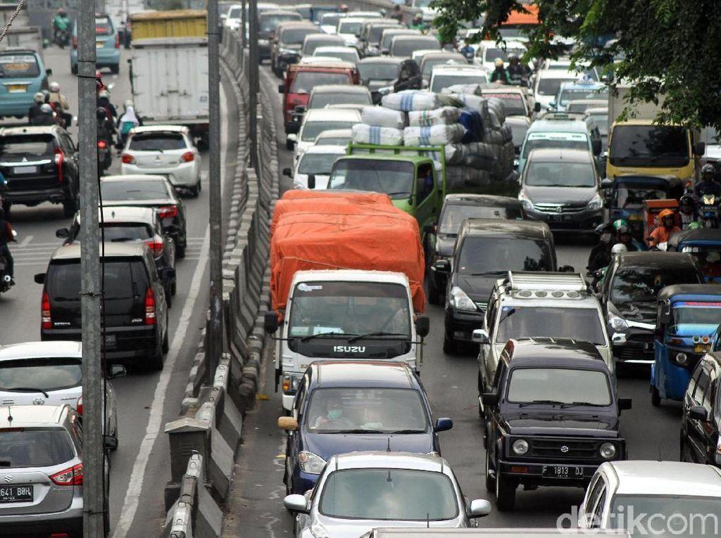 Truk Dilarang Melintas di Tol saat Mudik, Kecuali Angkut Sembako