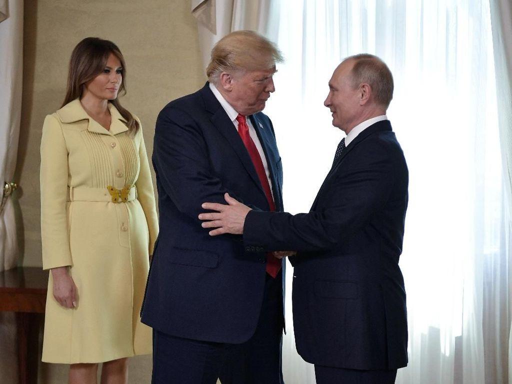 Viral, Wajah Takut Melania Trump Setelah Bersalaman dengan Putin