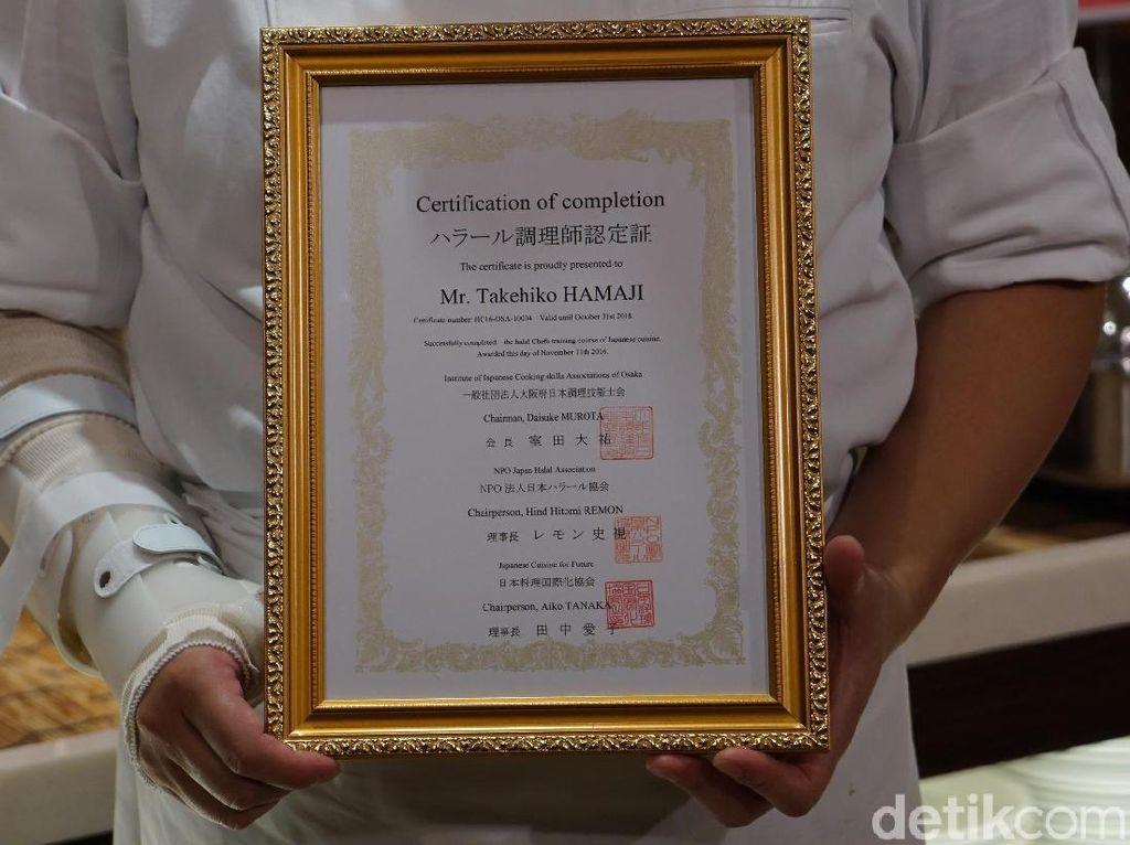 Koki Bersertifikat Halal Satu-satunya di Ujung Selatan Jepang