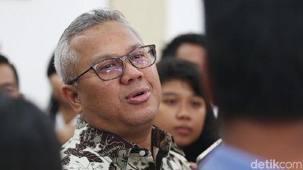 Ketua KPU Arief Budiman menargetkan pertanyaan terkait debat dikirim ke masing-masing capres-cawapres pada 10 Januari 2019.
