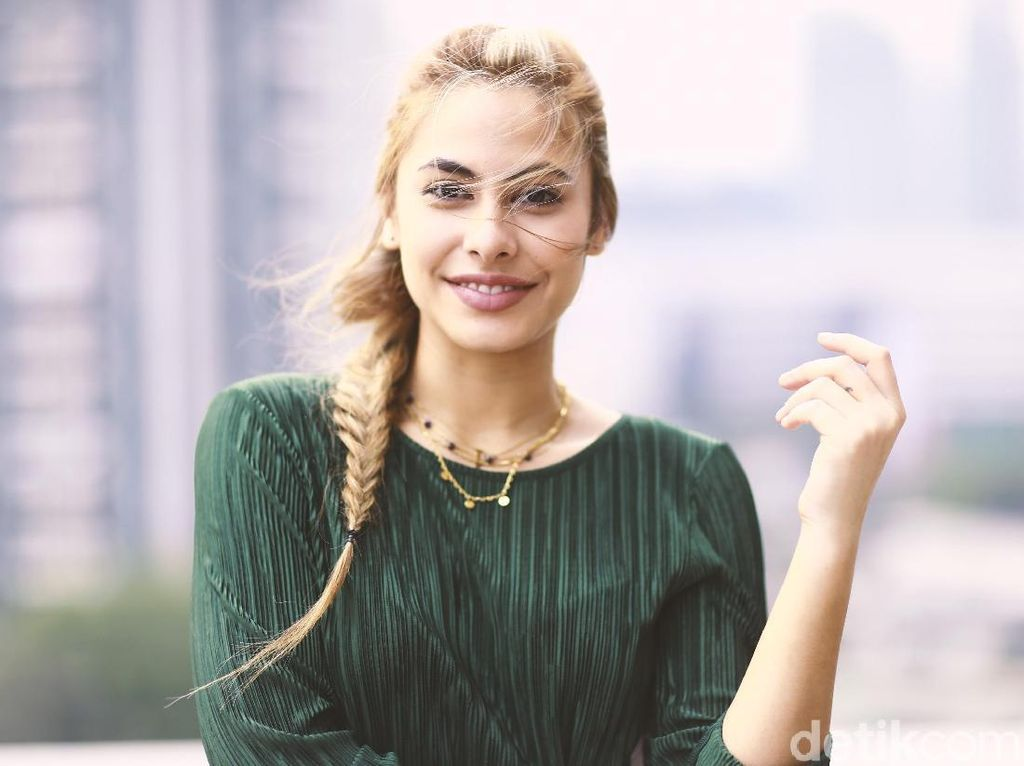 Rahasia Cantik Valerie Thomas