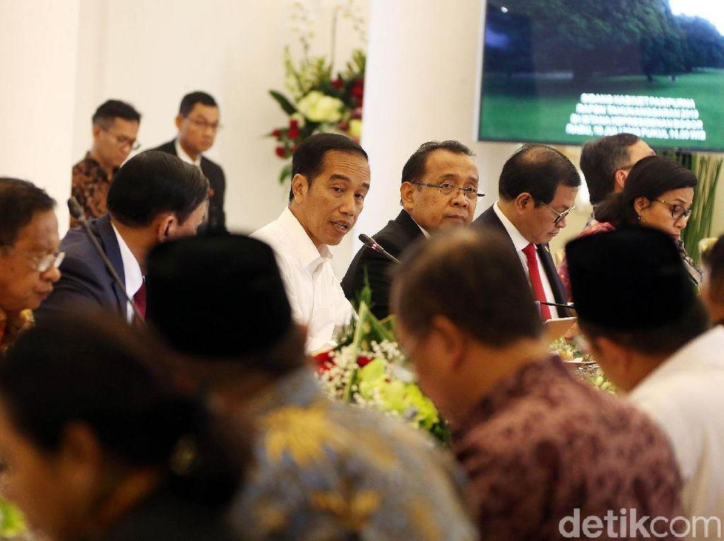 Jokowi Kumpul Bareng Eksportir di Istana Bogor