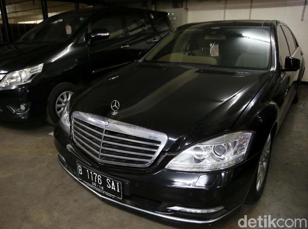 7 Mobil Koruptor Dilelang Negara, Harga Dibuka Mulai Rp 18 Juta!