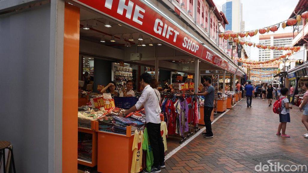 Foto: Kalap Belanja di Chinatown Singapura