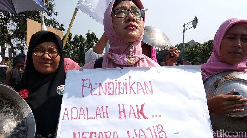 Beragam Tuntutan di Demo The Power of Emak-emak