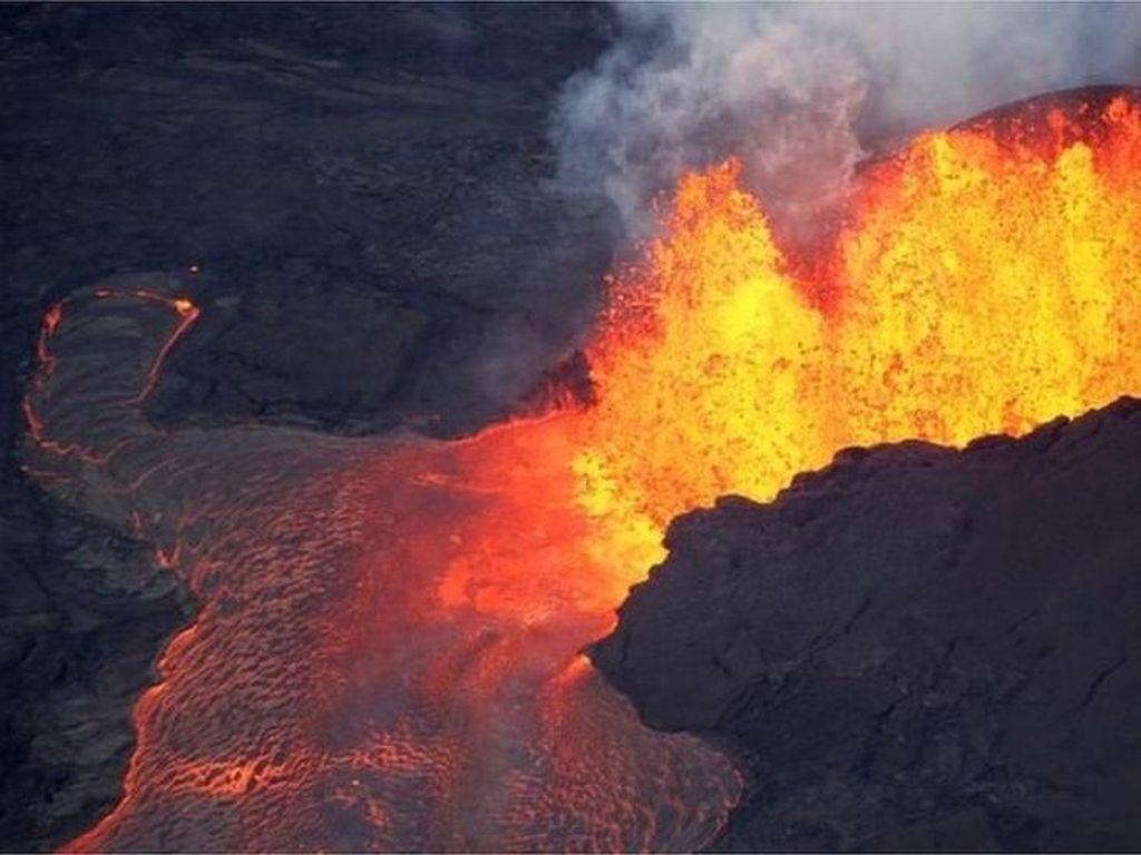 Video Bom Lava Hantam Kapal di Hawaii, 23 Orang jadi Korban