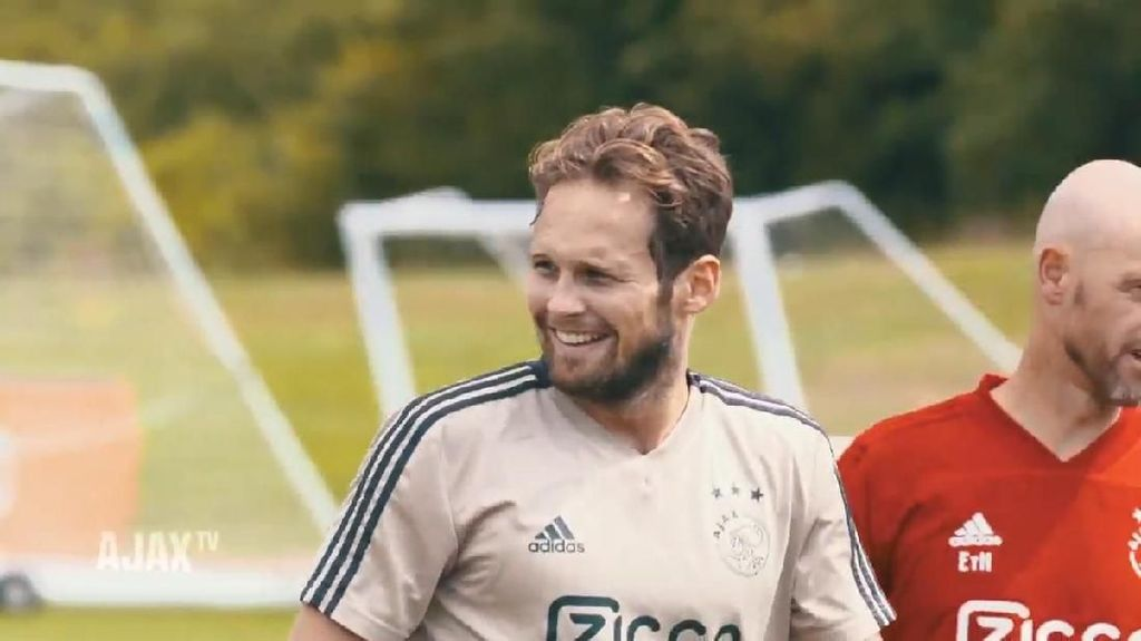 Video: Daley Blind Kembali Berseragam Ajax