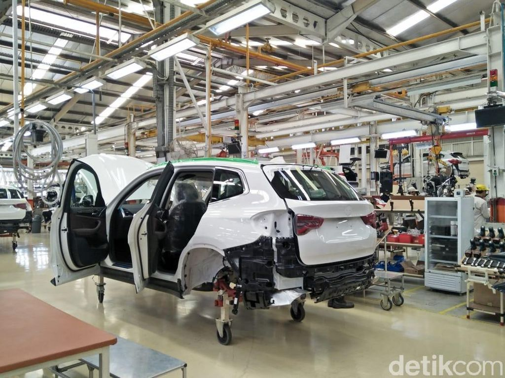 Pabrik Mobil Kesulitan Pasokan Bahan Baku di Tengah Corona