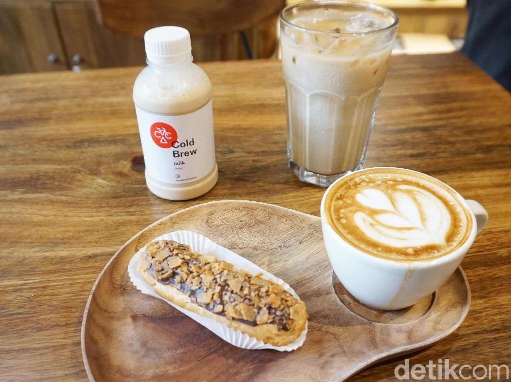 Cyclo Coffee: Menikmati Cappuccino Creamy di Coffee Shop Instagramable