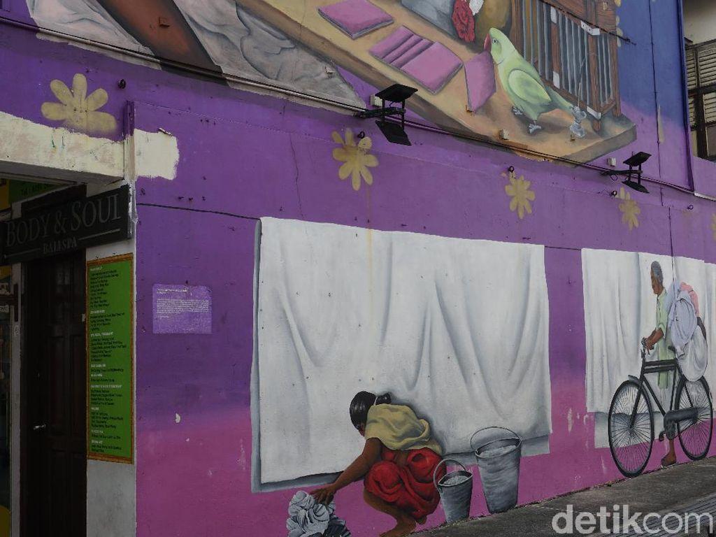 Foto: Aneka Tempat Belanja Serba 10 Dolar di Singapura