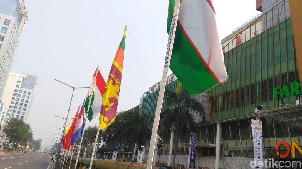Puji Warga Pasang Bendera Negara Pakai Bambu, Sandi: Jangan Julid
