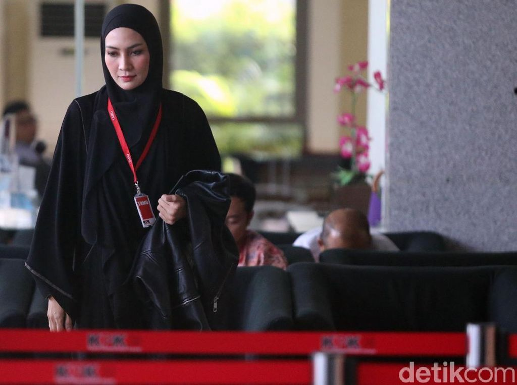Steffy Burase Staf Ahli Aceh Marathon Diperiksa KPK