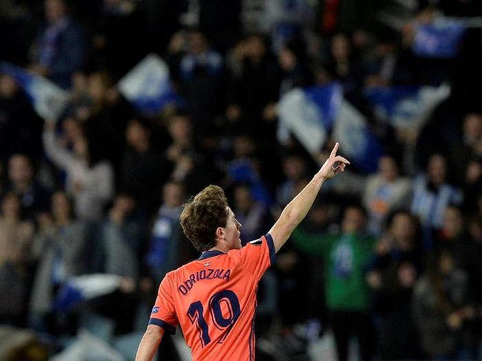 Pemain baru Real Madrid, Alvaro Odriozola. (Foto: Vincent West/Reuters)