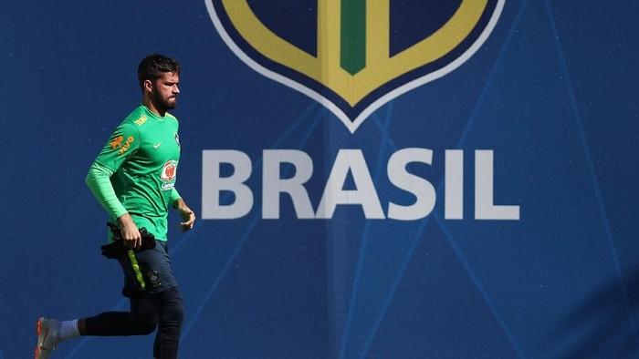 Alisson Becker jadi kiper utama Brasil di Piala Dunia 2018 (Buda Mendes/Getty Images)
