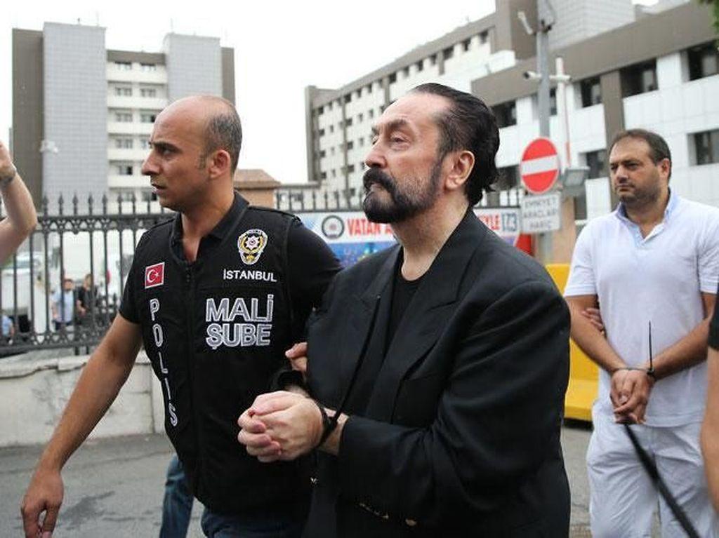 Dituduh Bantu Kelompok Fethullah Gulen, Ini Jejak Politik Harun Yahya