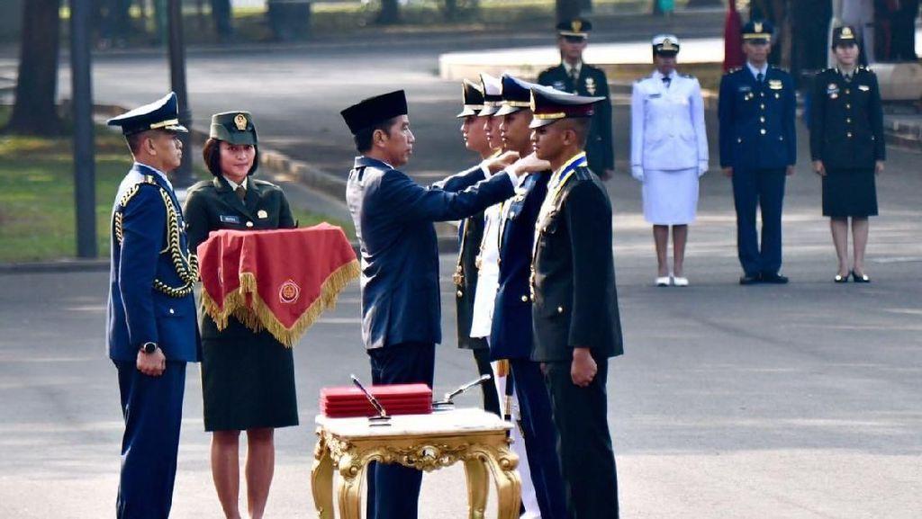 Pesan Jokowi ke Perwira Remaja TNI-Polri: Beri Bangsa yang Terbaik