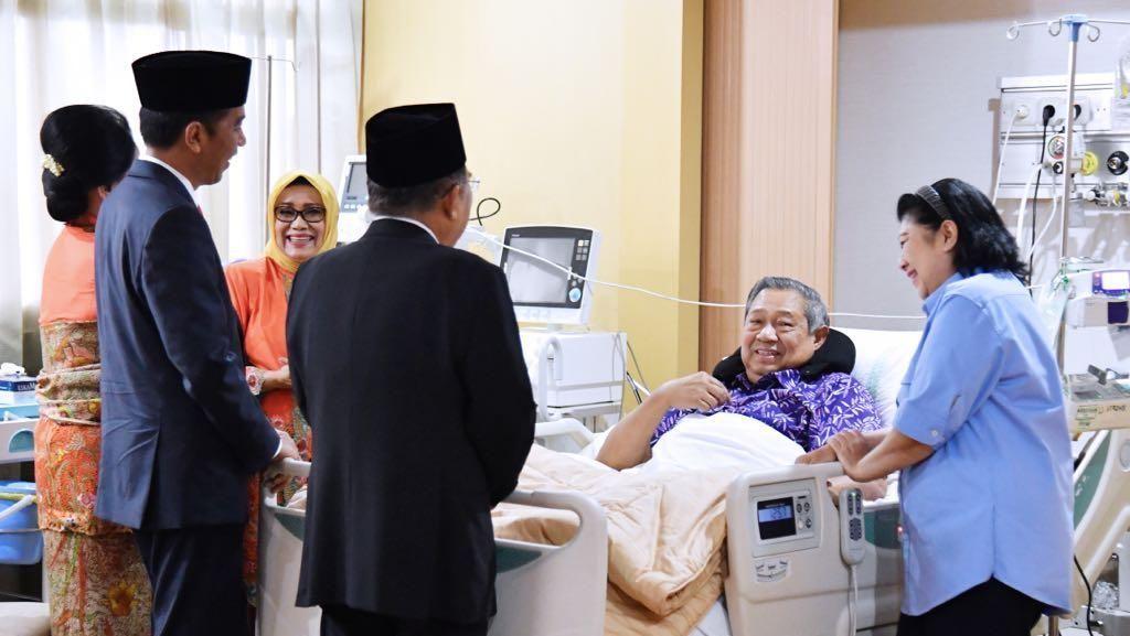 Momen SBY Dijenguk Jokowi dan Prabowo hingga Keluar RS