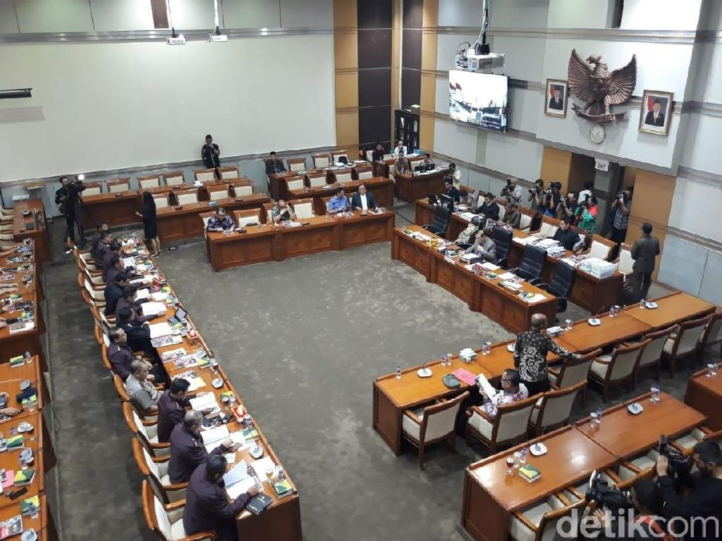 Rapat di Komisi III DPR, Polri-Kemenkum HAM Kompak Minta Tambah Anggaran