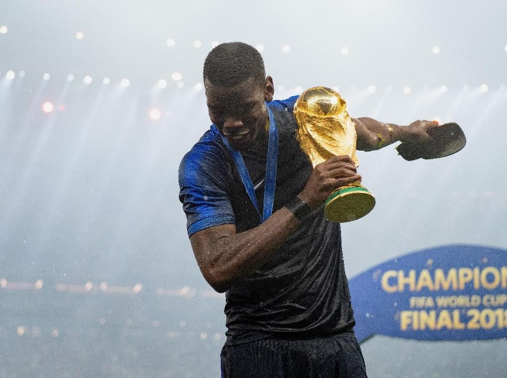 Juara Piala Dunia Sudah, Pogba Ditantang Bawa MU Menangi Liga Inggris