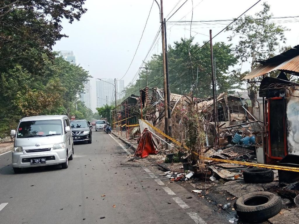 Kondisi Terakhir Lapak Pedagang di Kelapa Gading yang Tebakar
