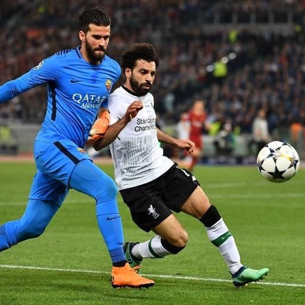 Pesan Mohamed Salah pada Alisson Jelang Kepindahannya ke Liverpool