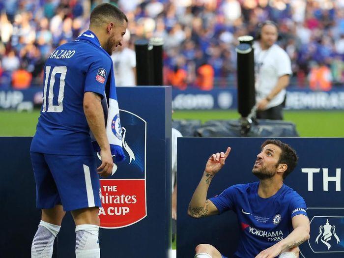 Cesc Fabregas meminta Eden Hazard tak pergi dari Chelsea (Catherine Ivill/Getty Images)