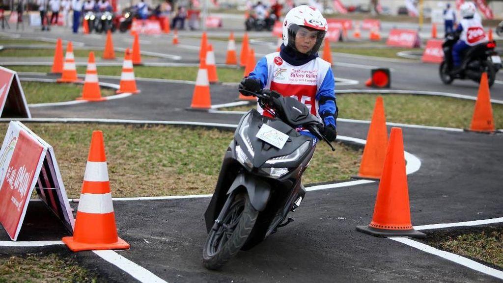 Honda Uji Skill Berkendara Instruktur