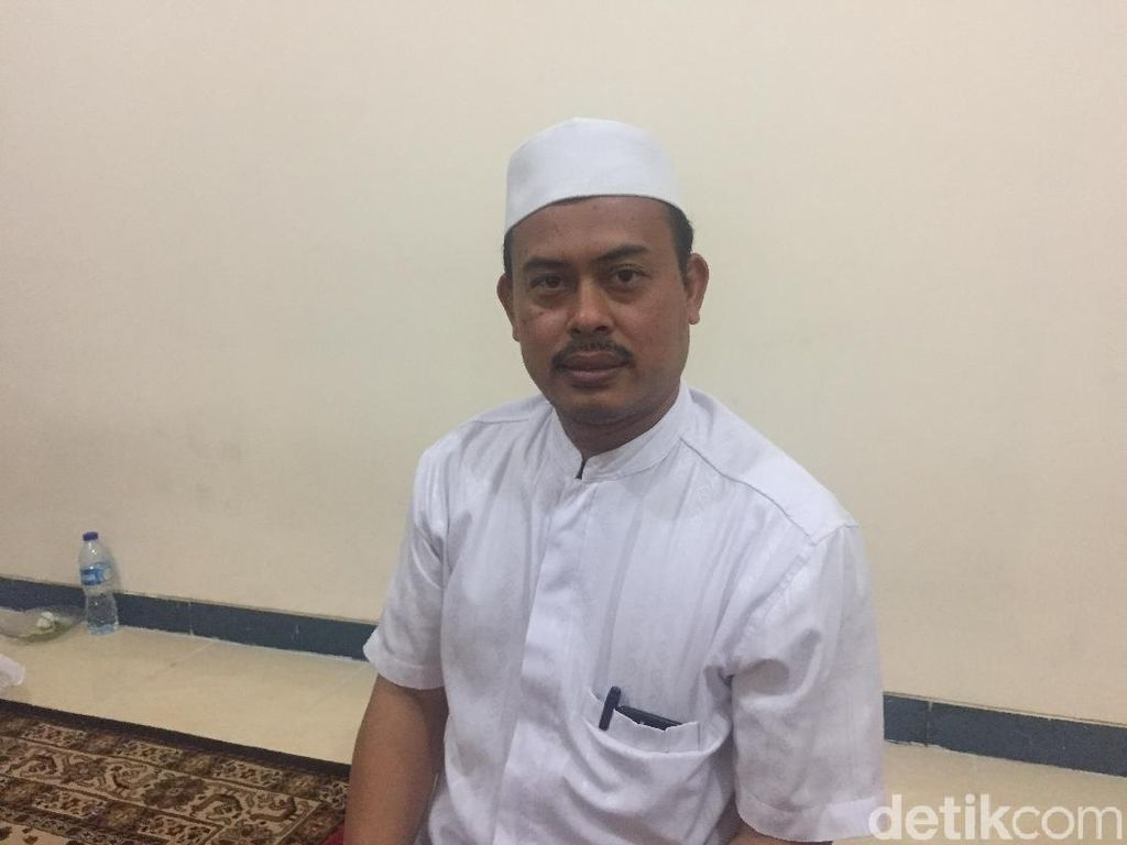 Prabowo Ditantang Pimpin Salat, PA 212: Jangan Sombong soal Agama