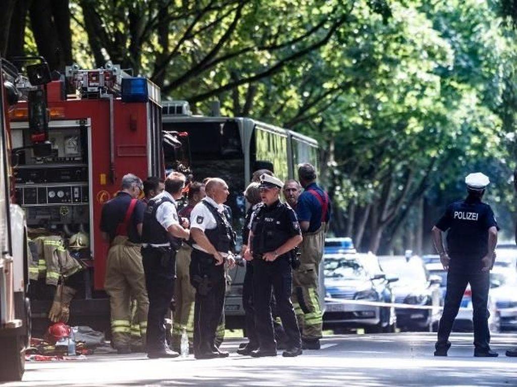 Penumpang Bus di Jerman Diserang Pria Berpisau, 14 Orang Terluka