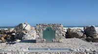 Cape Agulhas, titik pertemuan Samudera Atlantik dan Hindia (booking.com)