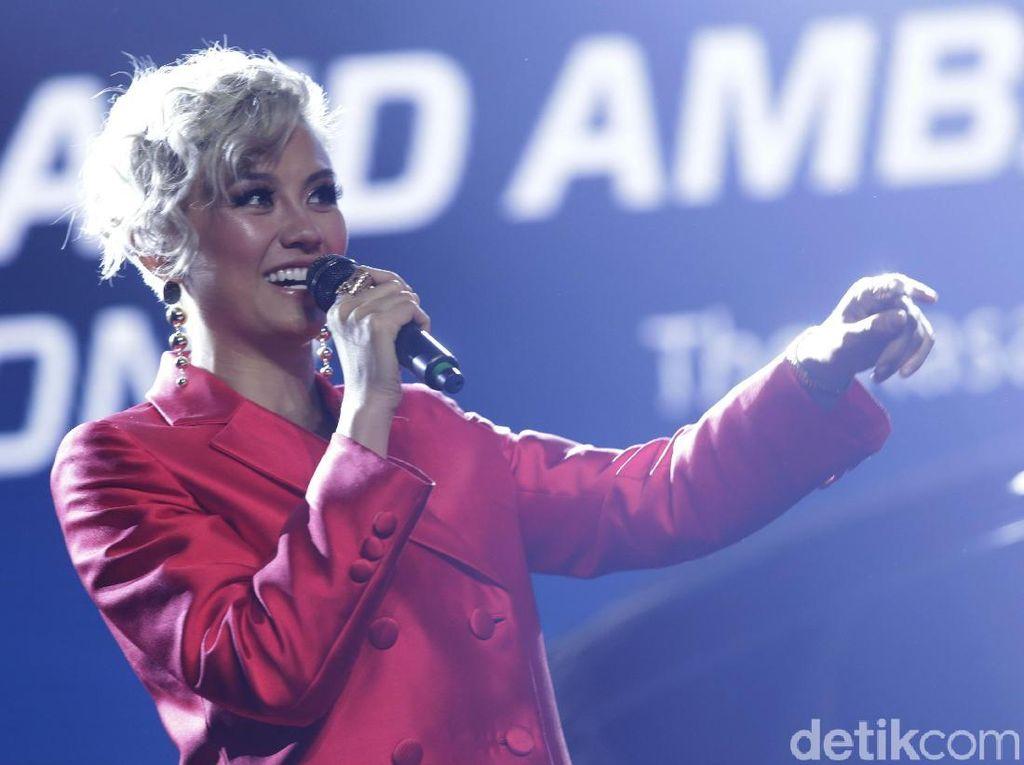 Lewat Overdose, Agnez Mo Sempat Rajai Tangga Lagu Apple Music