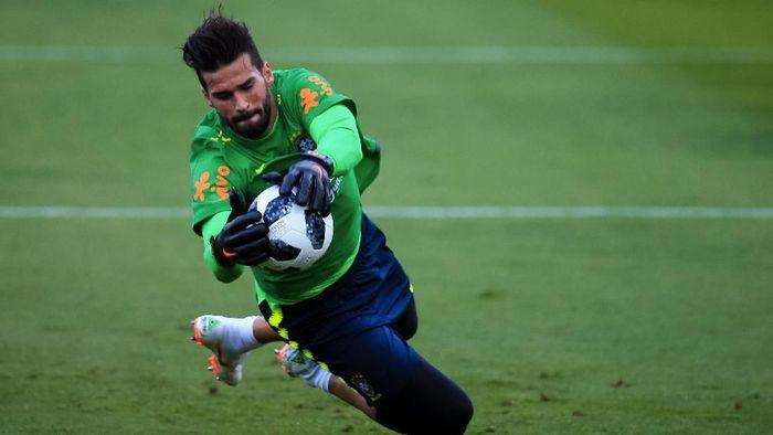 Alisson Becker jadi kiper termahal di dunia setelah ditransfer Liverpool dari AS Roma (Foto: Buda Mendes/Getty Images)
