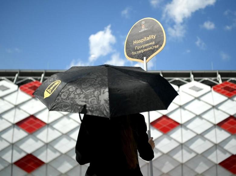 Orang Indonesia Ini Tunjukkan Rasanya Nonton Piala Dunia 2018 di Suite VIP