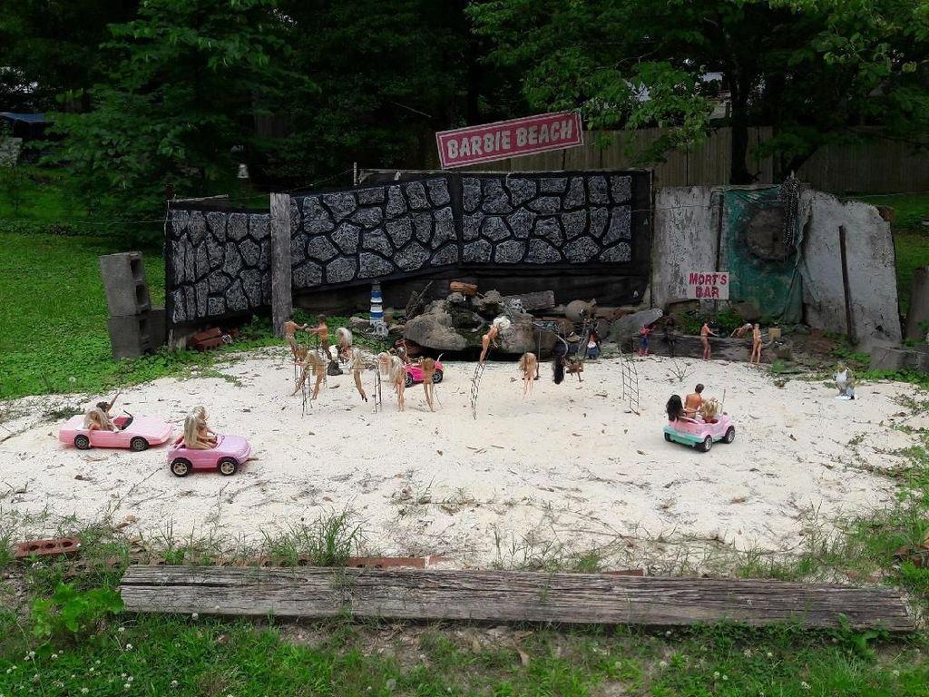 Unik, Ada Pantai Barbie di Georgia