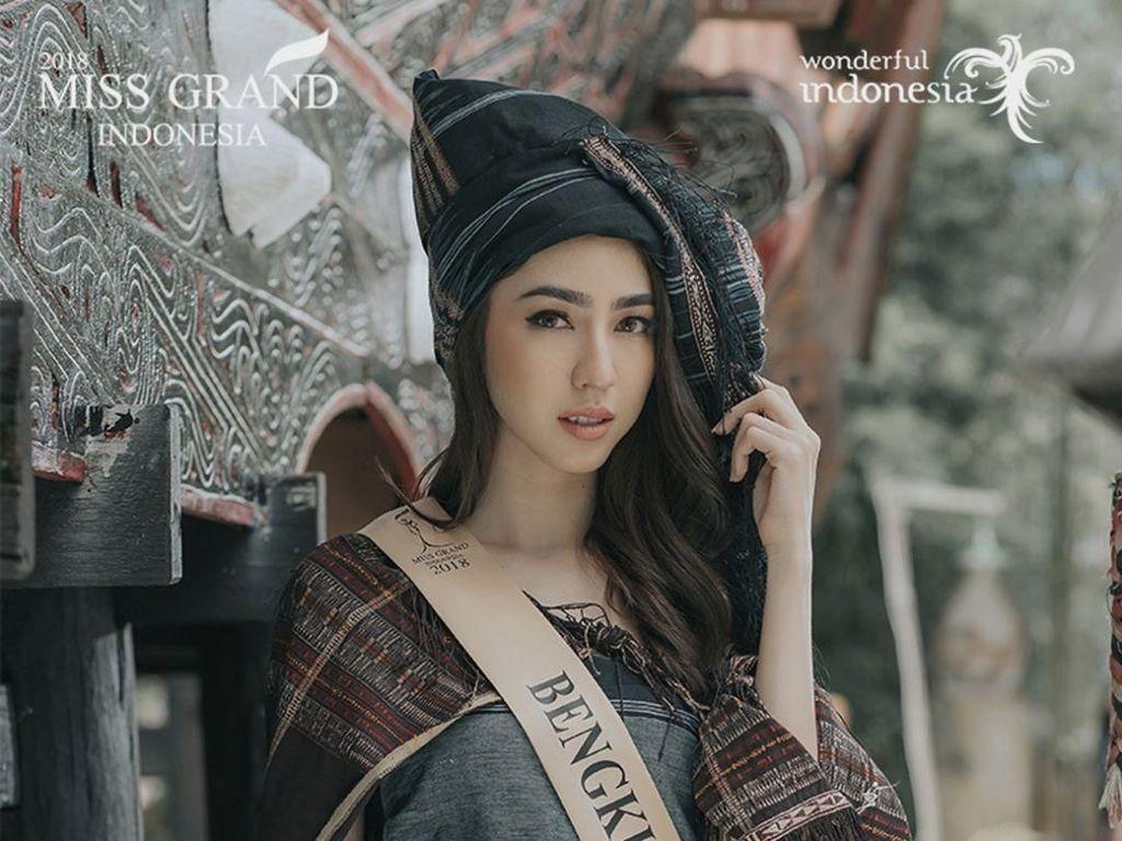 Potret Nadia Purwoko, Pemenang Miss Grand Indonesia Pakai Mahkota Rp 3 M