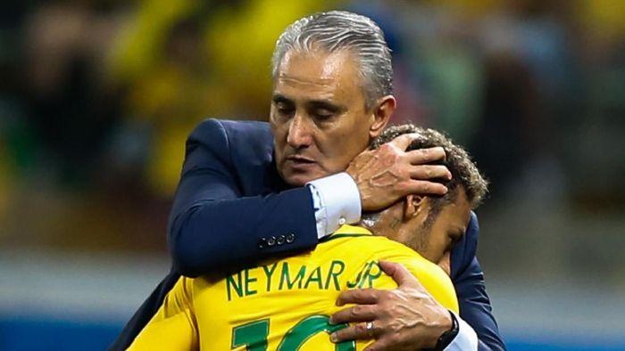 Neymar berharap Tite tetap menjadi pelatih Brasil. (Foto: Alexandre Schneider/Getty Images)