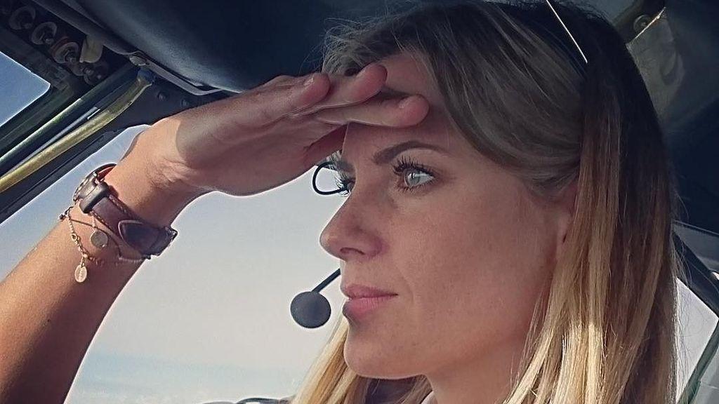 Kepincut Paras Cantik Sara, Pilot Wanita yang Buat Pria Melayang