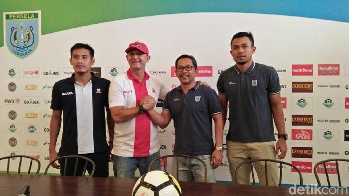 Konferensi pers jelang pertandingan Persela Lamongan vs Madura United. (Foto: Eko Sudjarwo/detikSport)