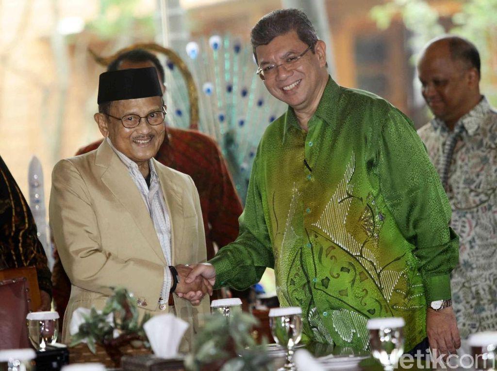 Suasana Pertemuan BJ Habibie dan Menlu Malaysia