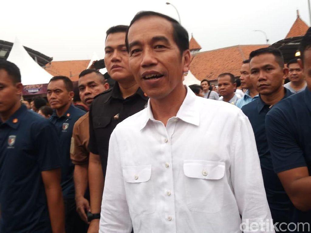 Motor Beragam Warna Dipamerkan, Jokowi Tertarik yang Biru Tua