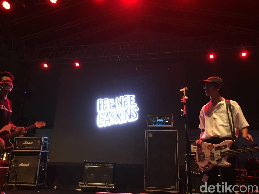 Gabung Pee Wee Gaskins, Iqbaal Ramadhan: Make Pop Punk Great Again