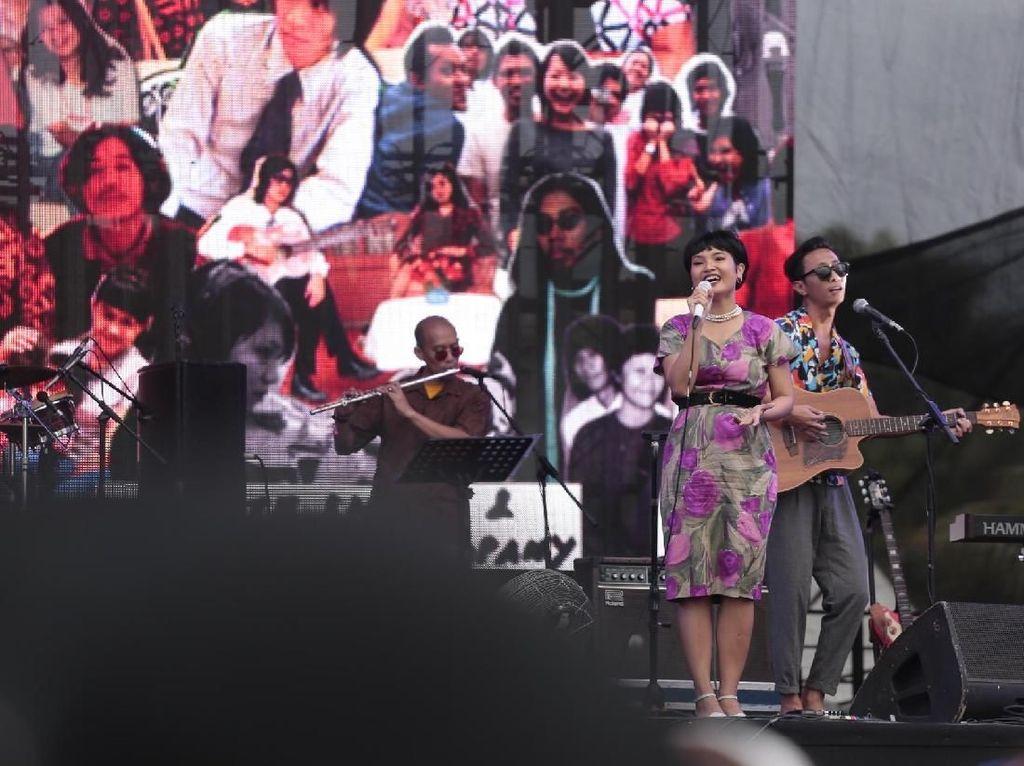 Gokil!  Penampilan White Shoes di WTF 2018 Ditonton Jokowi