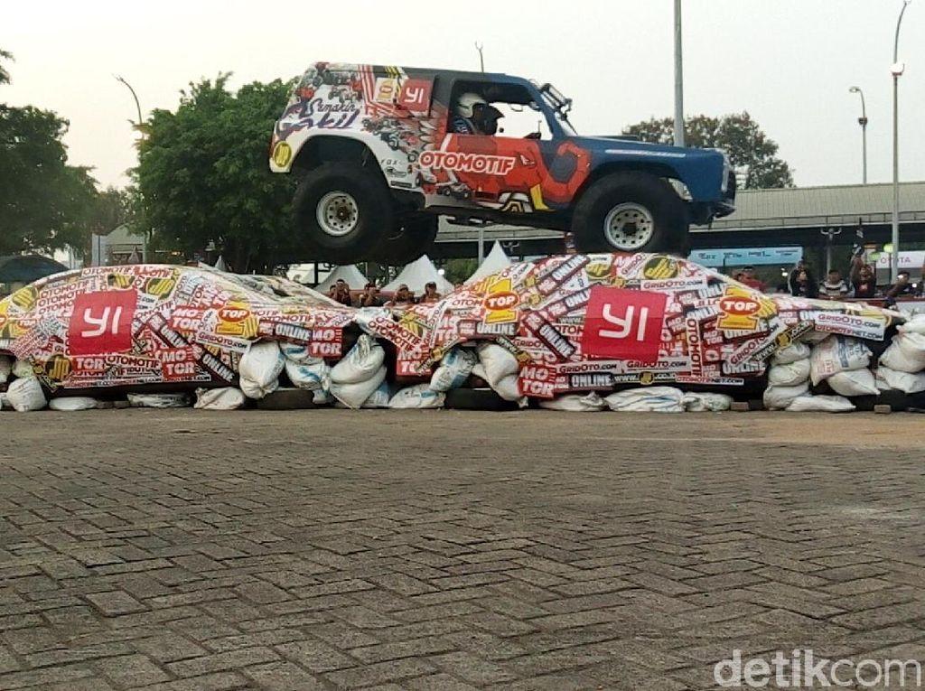 Jangan Lewatkan Aksi Mobil Digilas Gajah Monster Pekan Ini