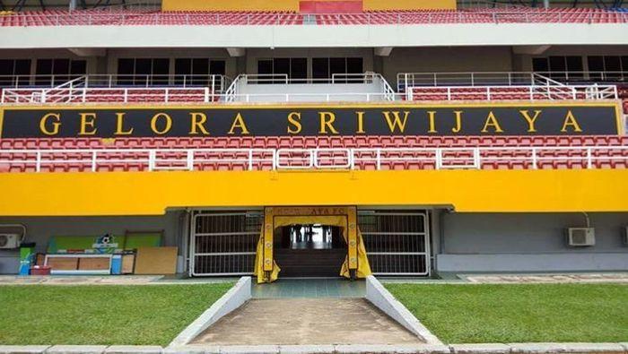 Stadion Gelora Sriwijaya di Jakabaring Sport City, Palembang dirusak oleh suporter saat Sriwijaya FC menjamu Arema FC di Liga 1 2018.
