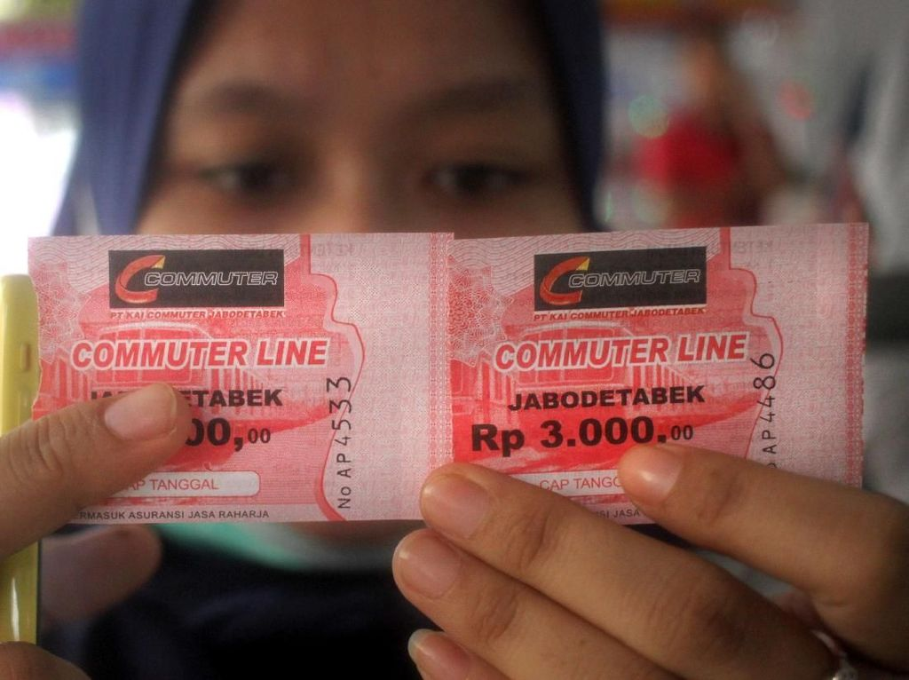 Curhat Antrean Tiket Kertas Commuterline