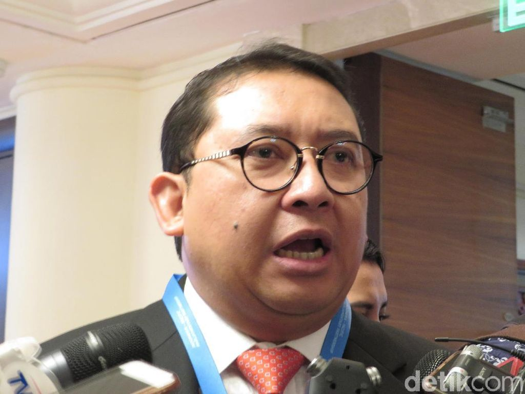 Mobil Anggota DPR Nunggak Pajak, Fadli: Warga Juga Banyak