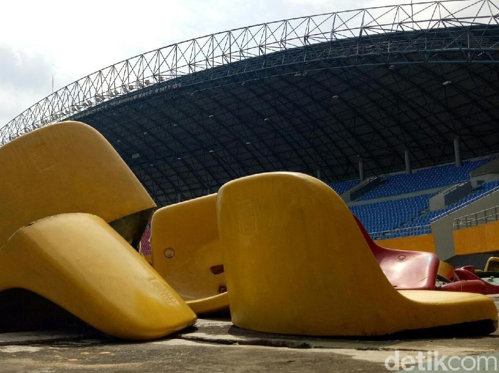 2 Remaja Ditetapkan Jadi Tersangka Perusakan Kursi Stadion Sriwijaya