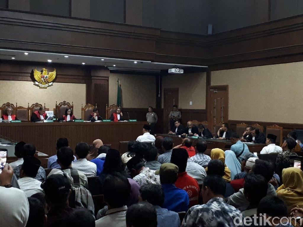 Kasus Suap DPRD, Bupati Lampung Tengah Nonaktif Divonis 3 Tahun Bui